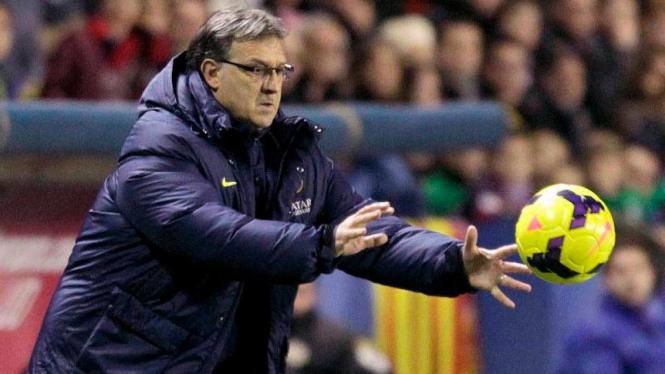 "Pelatih Barcelona, Gerardo ""Tata"" Martino"