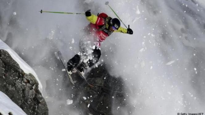 Freeride Ski salah satu olahraga ekstrim yang dapat memacu adrenalin pemainnya