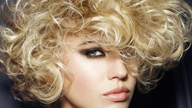 Cara Merawat Rambut Keriting Agar Halus dan Indah