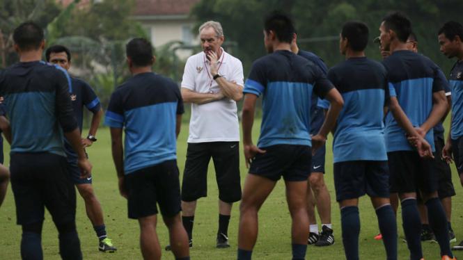 Pelatih Timnas Indonesia, Alfred Riedl