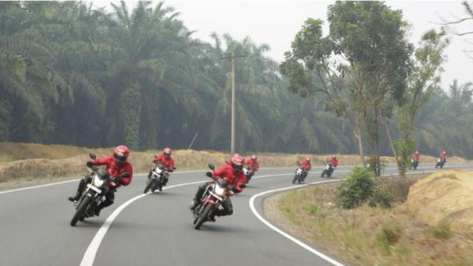 Touring Ekspedisi Nusantara Satu Hati untuk Negeri