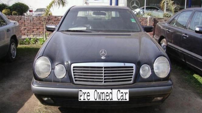 Mobil bekas Mercedes-Benz.