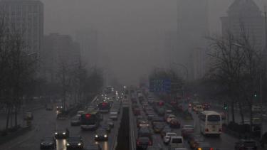 https://thumb.viva.co.id/media/frontend/thumbs3/2014/05/30/253143_polusi-udara-di-tiongkok-_375_211.jpg