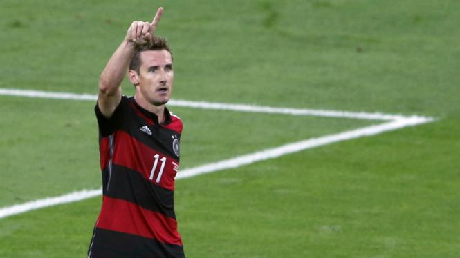 Bomber Jerman, Miroslav Klose
