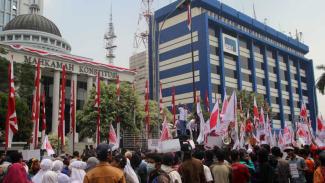 Aksi demonstrasi di depan gedung MK usai Pilpres 2014.