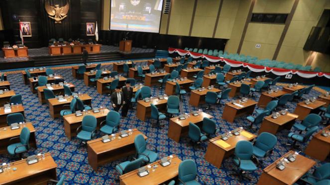 Suasana di ruang rapat Paripurna DPRD DKI