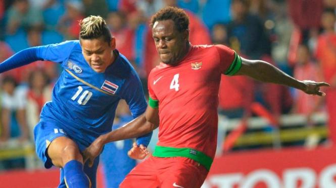 Victor Igbonefo saat membela Timnas Indonesia.