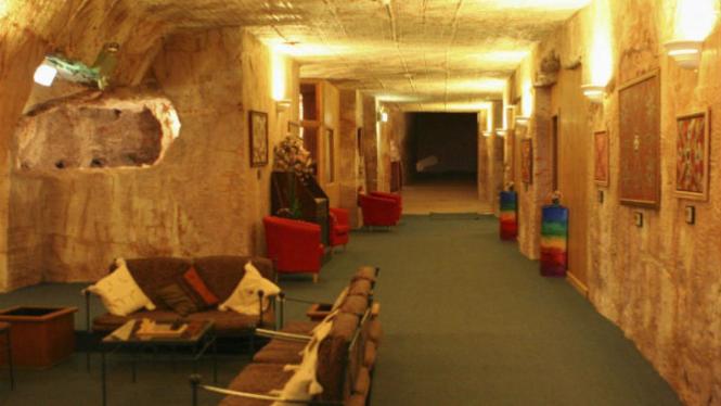 Kondisi rumah yang dibangun di bawah tanah.