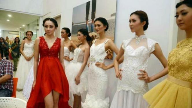Inilah Model Baju Pesta Wanita Terbaru Viva