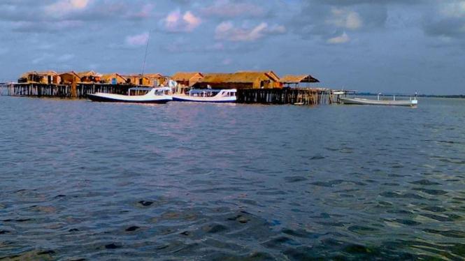 Pulau Terapung salah satu destinasi wisata di Kepulauan Sapeken, Sumenep, Madura