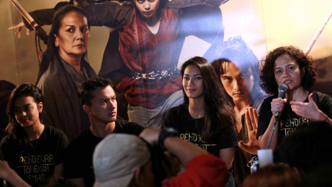 Produser dan pemeran film Pendekar Tongkat Emas