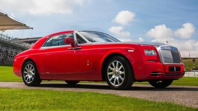 Rolls-Royce Phantom edisi Al-Adiyat