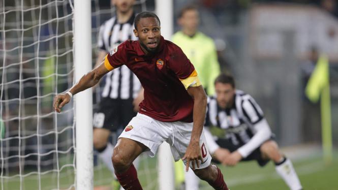 Seydou Keita di Pertandingan Juventus vs AS Roma