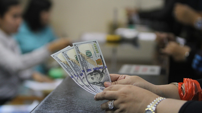 Ilustrasi transaksi keuangan.
