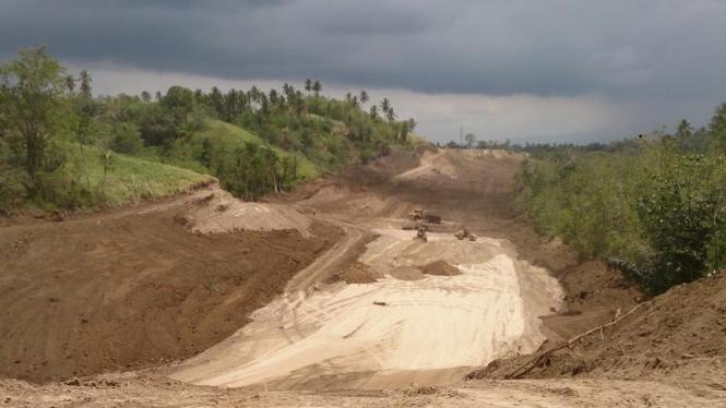 Lahan jalan tol Manado menuju Bitung