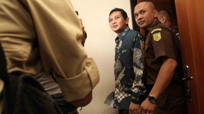 Mantan Kepala Dishub DKI Jakarta, Udar Pristono, saat menjalani sidang lanjutan di Pengadilan Tindak Pidana Korupsi, Jakarta, Senin (13/4/2015).