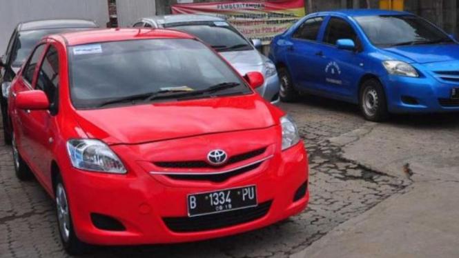 Biaya Ubah Mobil Bekas Taksi Jadi Pelat Hitam Viva