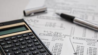 Ilustrasi laporan keuangan