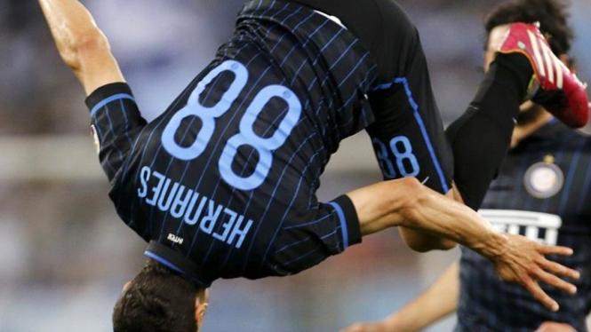 Gelandang Inter Milan, Hernanes.