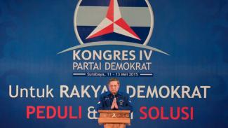 https://thumb.viva.co.id/media/frontend/thumbs3/2015/05/12/313264_kongres-partai-demokrat-ke-iv-di-surabaya_325_183.jpg