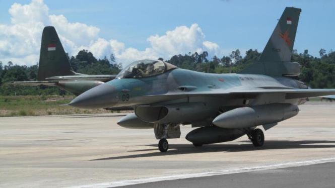 Pesawat tempur F16 buatan AS.