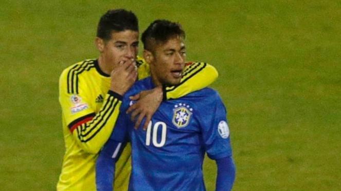 Neymar saat diberi wejangan oleh James Rodriguez