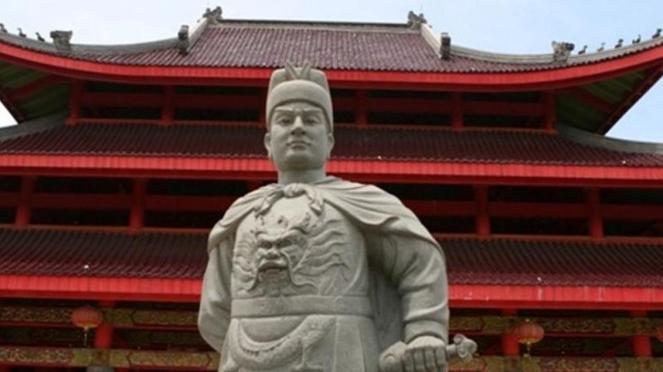 Patung Laksamana Cheng Ho.