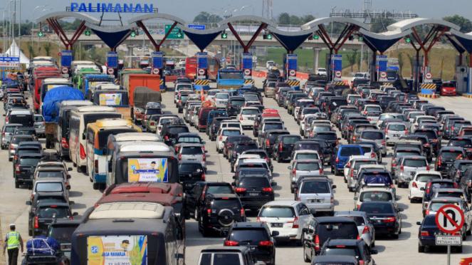 Ilustrasi/Kemacetan di gerbang tol saat mudik.