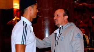 Cristiano Ronaldo saat bertemu Rafael Benitez