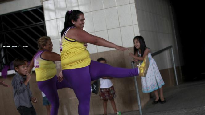 Kelas aerobik bagi wanita obesitas