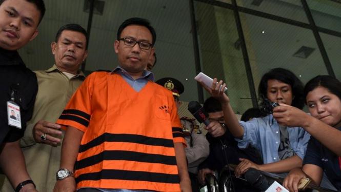 Mantan General Manager PT Hutama Karya Budi Rachmat Kurniawan ditahan KPK