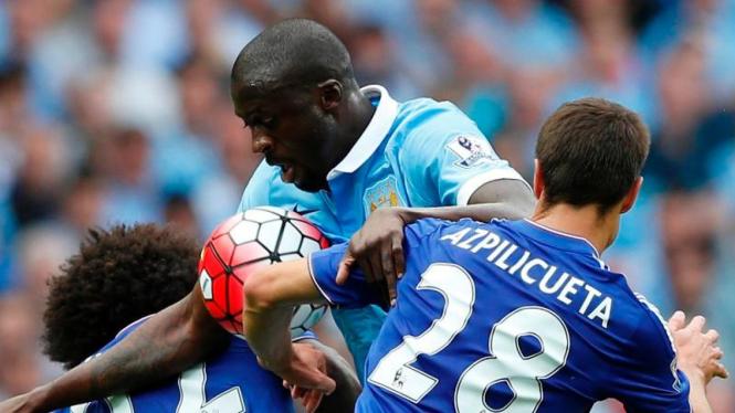 Chelsea vs Manchester City beberapa waktu silam.