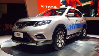 Nissan X-Trail Hybrid.