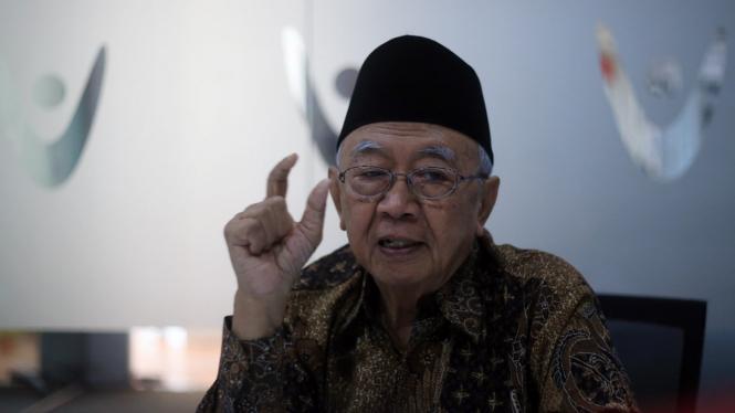 Salahuddin Wahid alias Gus Solah.