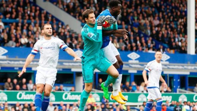 Pertandingan Premier League 2015-16 antara Chelsea dan Everton