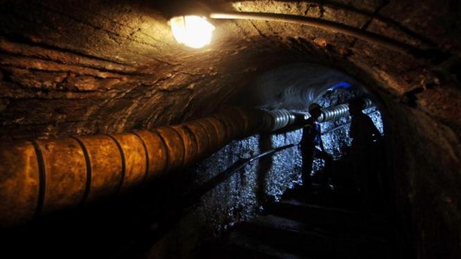 Ilustrasi pekerja tambang.