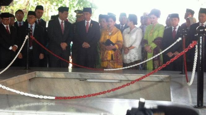 Jokowi Napak Tilas Di Sumur Lubang Buaya Viva