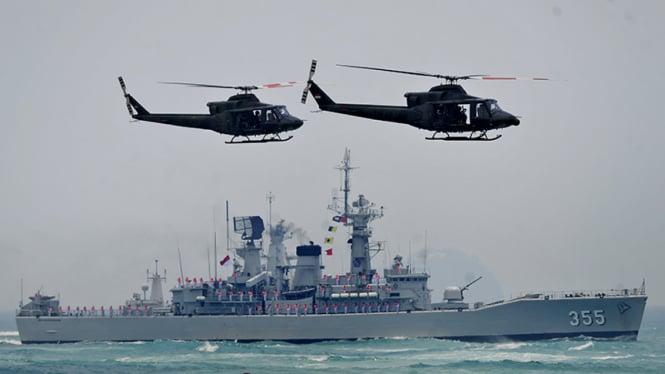 Kapal Perang TNI AL saat melakukan operasi gabungan
