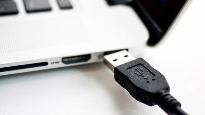 Perangkat USB.