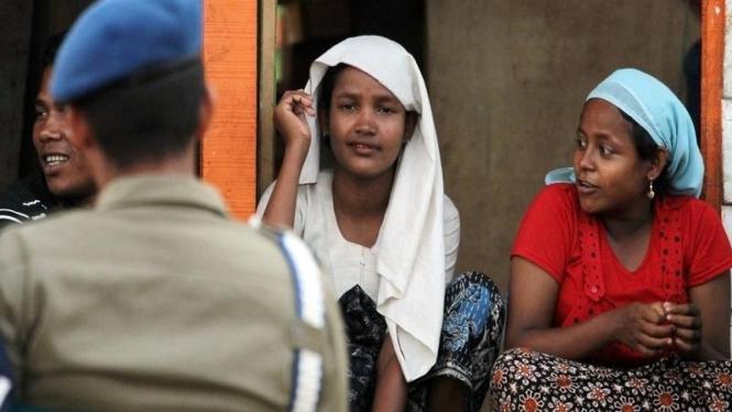 Pengungsi asal Rohingya, Myanmar, di kamp penampungan di Aceh.
