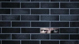 ilustrasi stalker / orang jahat