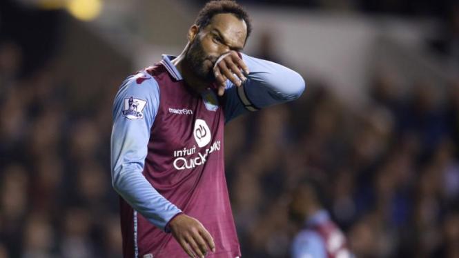 Pemain Aston Villa Joleon Lescott