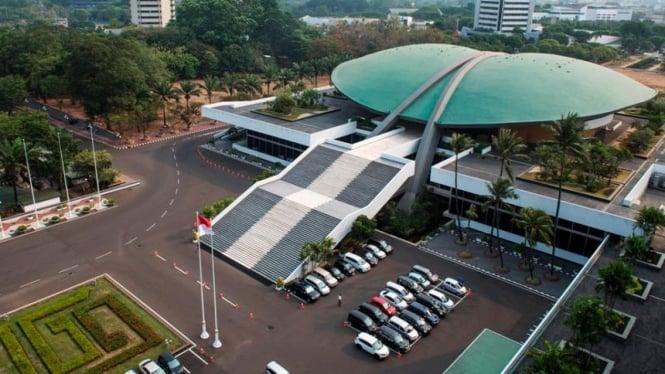 Kompleks bangunan MPR/DPR/DPD di Senayan, Jakarta.