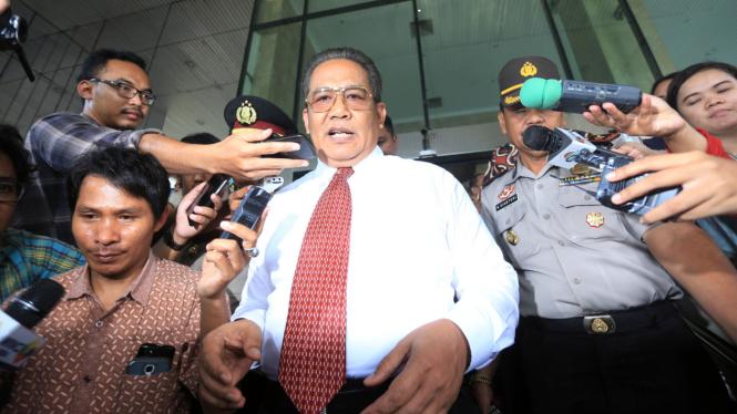 Eks Kabareskrim Komjen Pol Anang Iskandar Datangi KPK
