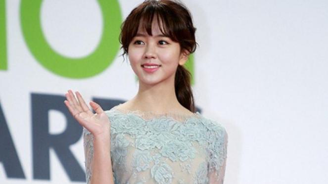 Kim So Hyun dan gaun transparan