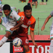 Pertandingan Surabaya United vs Pusamania Borneo FC
