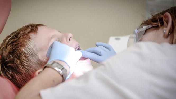 Ilustrasi dokter gigi