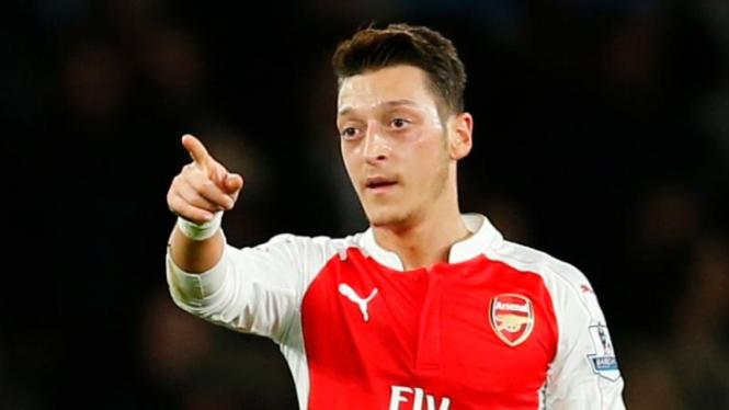 Pemain Arsenal, Mesut Oezil