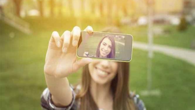Wanita foto selfie