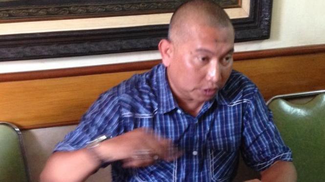 BS alias Bambang Suryo